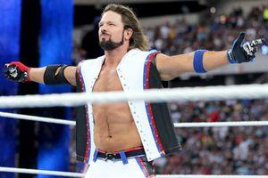 Tepis Kabar Miring, AJ Style Sebut Paul Heyman Seorang Pembohong