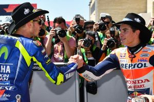 Valentino Rossi Tolak Kibarkan Bendera Putih kepada Marc Marquez