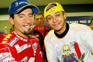 Disebut sebagai Rival Kuat Valentino Rossi, Max Biaggi Berikan Respons