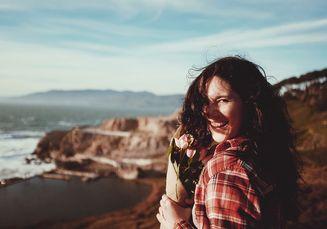 Sering Dipercaya, Ternyata 4 Tanda Ini Bukan Kebahagiaan yang Sejati