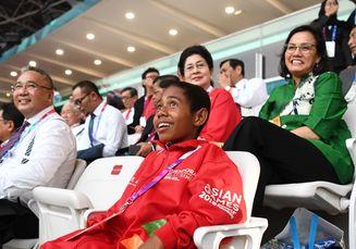 Yohanes, Sang Pemanjat Tiang Bendera Nonton Langsung Asian Games dan Diundang ke Istana