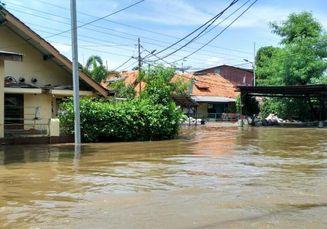 Ketika Banjir Datang, Ini 7 Hal yang Harus Kita Lakukan Biar Selamat!