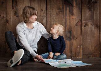 Asyik dan Bermanfaat! Temani Anak Belajar Sambil Lakukan Hal ini, Moms!