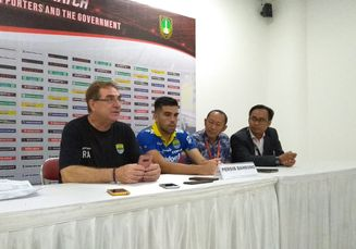 Salam Perpisahan Fabiano dan Zulham Usai Hengkang dari Persib Bandung
