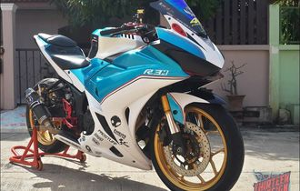 Kembaran Yamaha R25 Tampil Ala Motor Balap, Pilihan Warnanya Keren