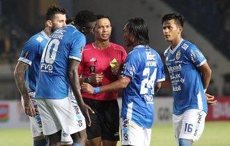 Hasil Liga 1 - Persib Bandung Menang Besar Atas Persipura Jayapura