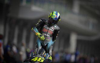 Peraturan Baru bagi Valentino Rossi, Dilarang Salahkan Ban Lagi