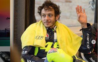 Saat Dunia Menghujat, Ada yang Masih Yakin Valentino Rossi Menangi MotoGP 2021