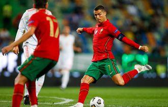 Ronaldo Diejek Habis-habisan Karena Lakukan Free-Kick Terburuk Saat Lawan Israel