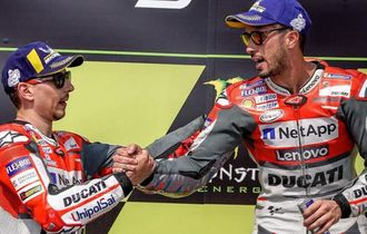 Andrea Dovizioso Dapat Untung Banyak dari Jorge Lorenzo di Ducati