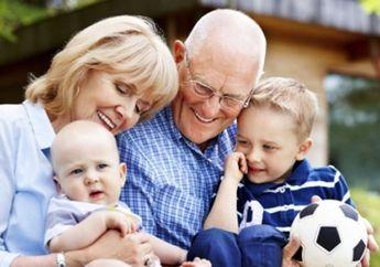 Moms Perlu Tahu, Keterlibatan Kakek-Nenek Ternyata Sangat Bagus Untuk Tumbuh Kembang Si Kecil