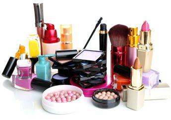 Hah? Lipstik dan Parfum Bisa Memicu Kemandulan, Begini Penjelasannya