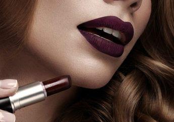 Penting! Tambahkan Lipgloss Saat Pakai Lipstik Gelap! Ini Alasannya