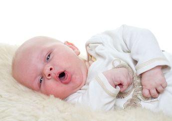 Bayi Sering Mengalami Batuk pada Malam Hari, Berbahayakah Moms?
