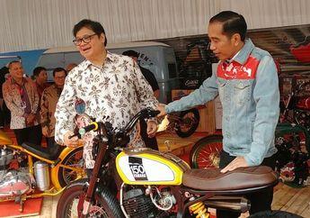 FOTO: Jokowi Jenguk Motor Kesayangan di IIMS 2018, Jadi Inget Dilan!