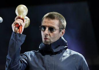 Ini Alasan Liam Gallagher Selalu Memakai Kacamata Hitam dan Parka