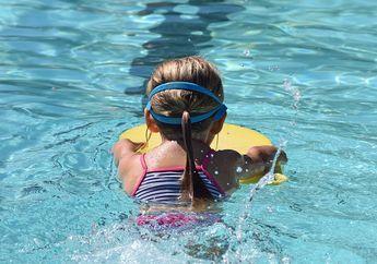 Suka Berenang dengan Gaya Bebas? Ini 3 Manfaat yang Bisa Kita Dapatkan