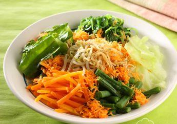 Santap Siang Makin Komplet dengan Sajian Sayur Urap Bayam Tabur Teri