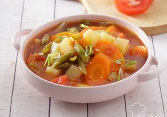 Sayuran Kuah Tomat, Kuah Segarnya Membuat Makan Siang Jadi Istimewa