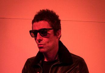 Fans Liam Gallagher Telanjang saat Doi Menyanyikan Lagu Oasis