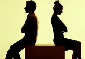 'Istriku Terus Saja Mengeluh Karena Keadaan, Bagaimana Mengatasinya?'