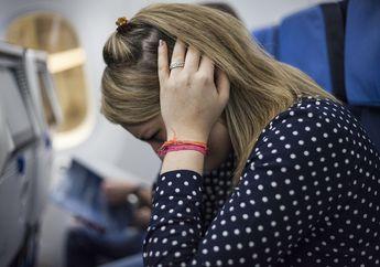 Cara Redakan Sakit Telinga Saat Naik Pesawat, Salah Satunya Dengan Permen Karet!