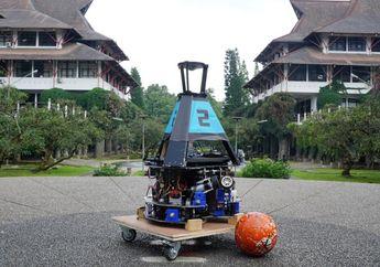 "Keren! Mahasiswa ITB Bikin Robot Yang Bisa Main Bola Bernama  ""Dagozilla"""