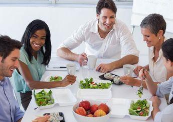 Inilah 3 Alasan Kita Sebaiknya Makan Siang dengan Rekan Kerja