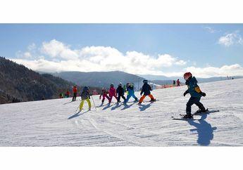Suka Olahraga Ski? Ini Peralatan yang Harus Teman-teman Miliki