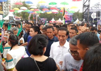 Presiden Jokowi Komentari Penampilan White Shoes and The Couples Company di We The Fest 2018