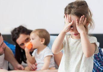 Tips Atasi Masalah Kecemburuan pada Anak, Orang Tua Wajib Tahu!