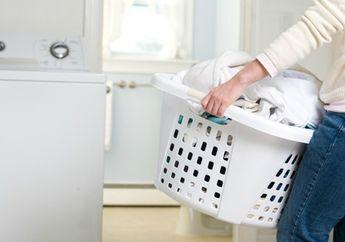Tak Cuma Kembalikan Warna Pakaian, Ini Dia Kegunaan Lain Cairan Pemutih Untuk Lantai!