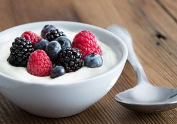 Menurut Penelitian, Satu Cup Yogurt Bisa Tingkatkan Kesehatan Tulang Kamu loh