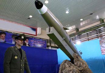Tak Takut Sanksi dari AS, Iran Tetap akan Perkenalkan Jet Tempur Baru dan Kembangkan Sistem Rudalnya