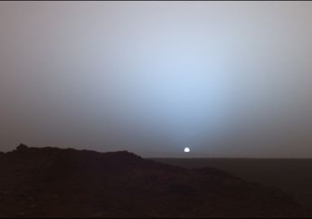 Tidak Berwarna Jingga, Langit Sore di Mars Berwarna Biru, Kok Bisa?