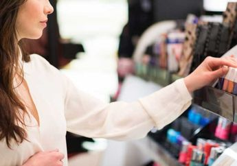 Tips Mencoba Produk Makeup Tester di Drugstore Agar Tetap Bersih dari Ryan Ogilvy, Jangan Asal Coba!