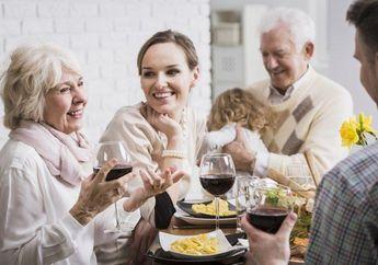 Grogi Ketemu Ibu Mertua? Coba deh 5 Tips Ini Untuk Memenangkan Hatinya