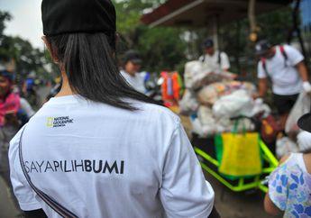 Sampah Plastik Berserakan di Car Free Day, #SayaPilihBumi pun Langsung Bergerak