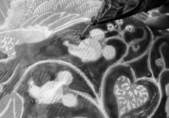 Akan Ulang Tahun yang Ke-90, Ada Wajah Mickey Mouse di Batik Indonesia