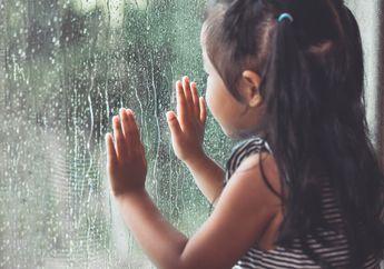 Menenangkan, Ini Dia Alasan Mengapa Suara Hujan Bisa Buat Mengantuk!
