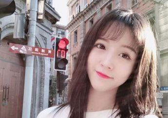 Wanita Cantik Ini Diciduk Polisi dan Diblokir dari Akun Medsos 'Penghasil Uangnya' Gara-gara Melakukan Hal Tak Sopan Ini