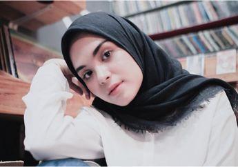 5 Inspirasi Padu Padan Hijab Hitam Ala Vebby Palwinta yang Bisa Ditiru