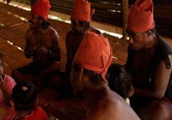 Tradisi Suku Naulu, Mau Nikah Harus Penggal Kepala Manusia Dahulu untuk Dijadikan Mas Kawin