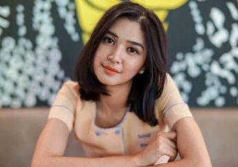 Intip 6 Fashion Mikha Tambayong Mengenakan Celana Jeans. Stylish Banget!