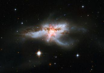 Ini yang Akan Terjadi Jika Dua Galaksi di Alam Semesta Bertabrakan