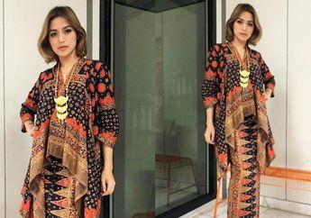 Tampil Kekinian dengan  Dress Batik Modern ala Jessica Iskandar