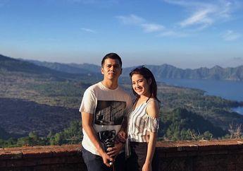 Couple Favorit! Intip Kompaknya Fashion Handika Pratama dan Rosiana Dewi yang Goals Banget!