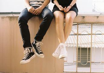 6 Cara Bongkar Kebohongan Pasangan Lewat Bahasa Tubuh, Salah Satunya Dari Gerakan Kaki