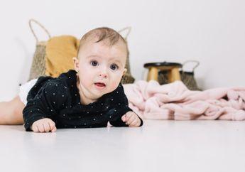 Bayi Merangkak Mundur, Apakah Berbahaya untuk Tumbuh Kembangnya?
