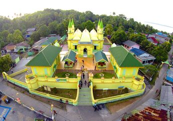 Megahnya Arsitektur Masjid Raya Sultan Riau, Konon Dibangun dengan Putih Telur